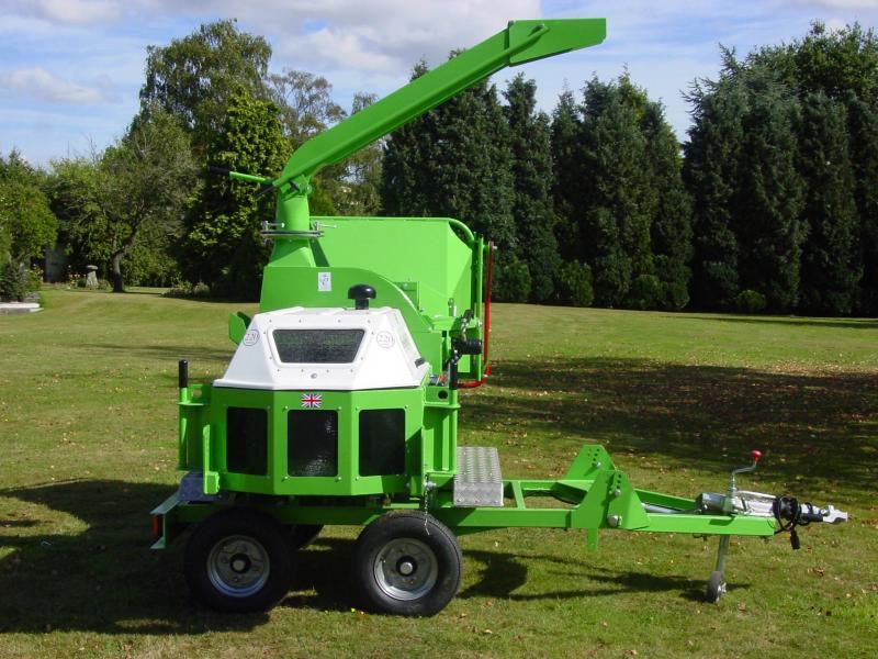 Štěpkovač GreenMech CHIPMASTER 220MT55 diesel