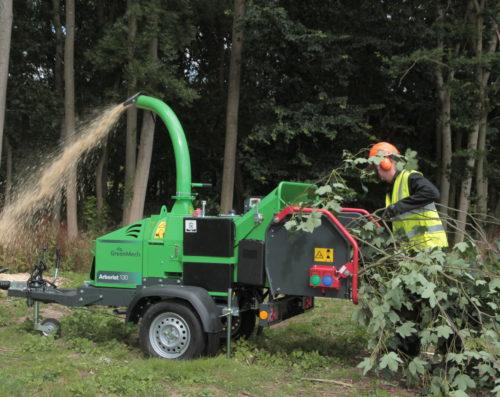 Arborist_130_Chipping_2